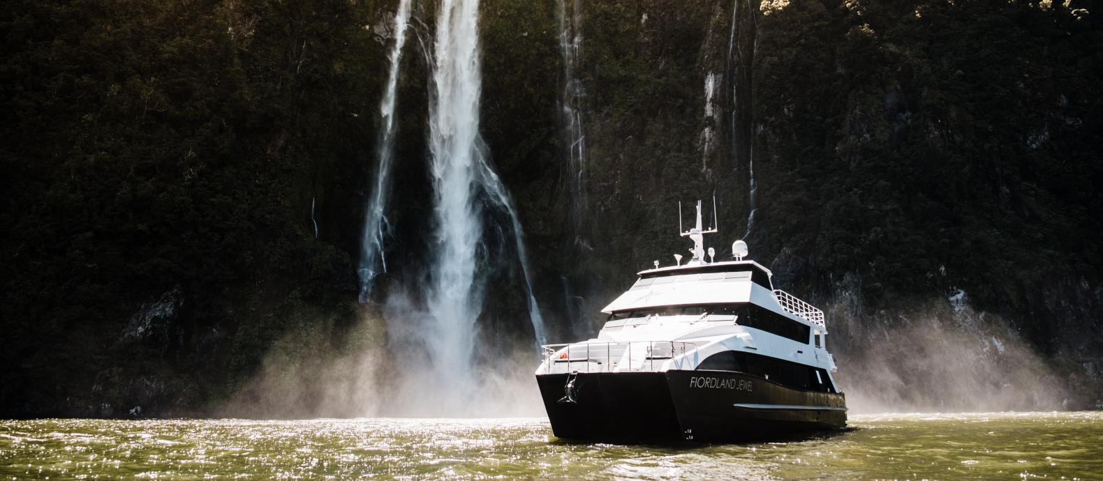 Ignition Self Drive Fiordland Discov 19 Boat