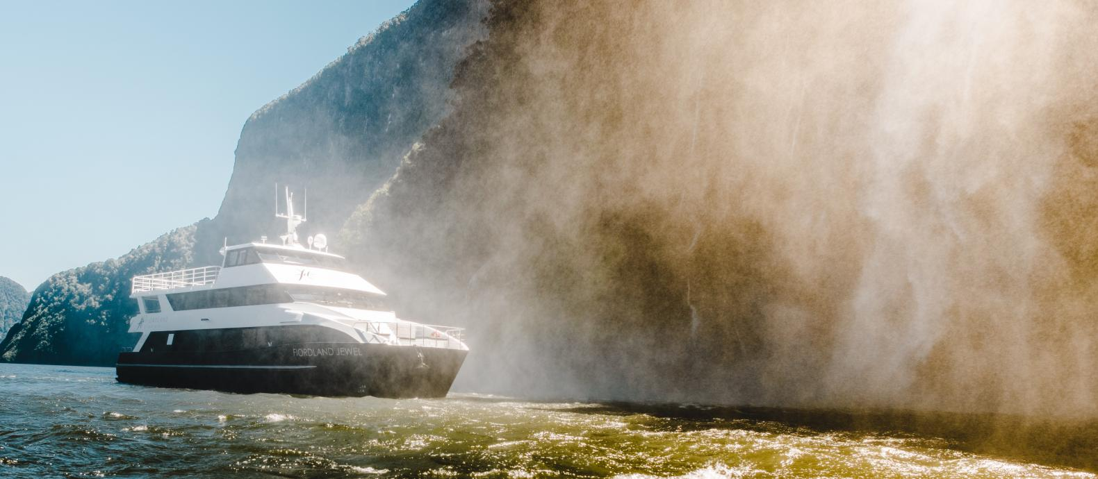 Ignition Self Drive Fiordland Discov 6 Boat